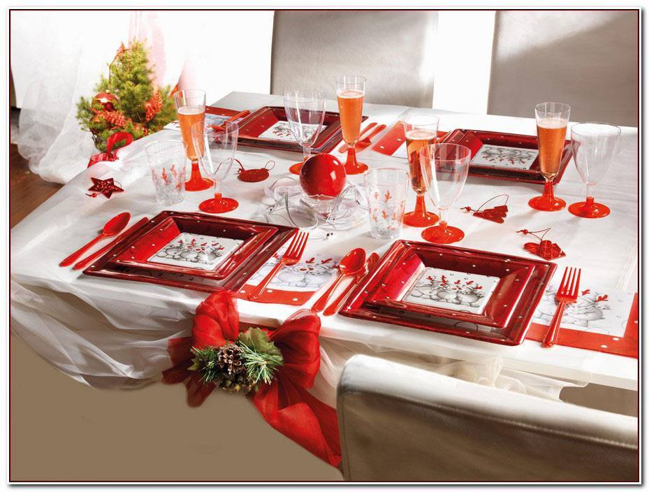 Decoration Table Noel Rouge