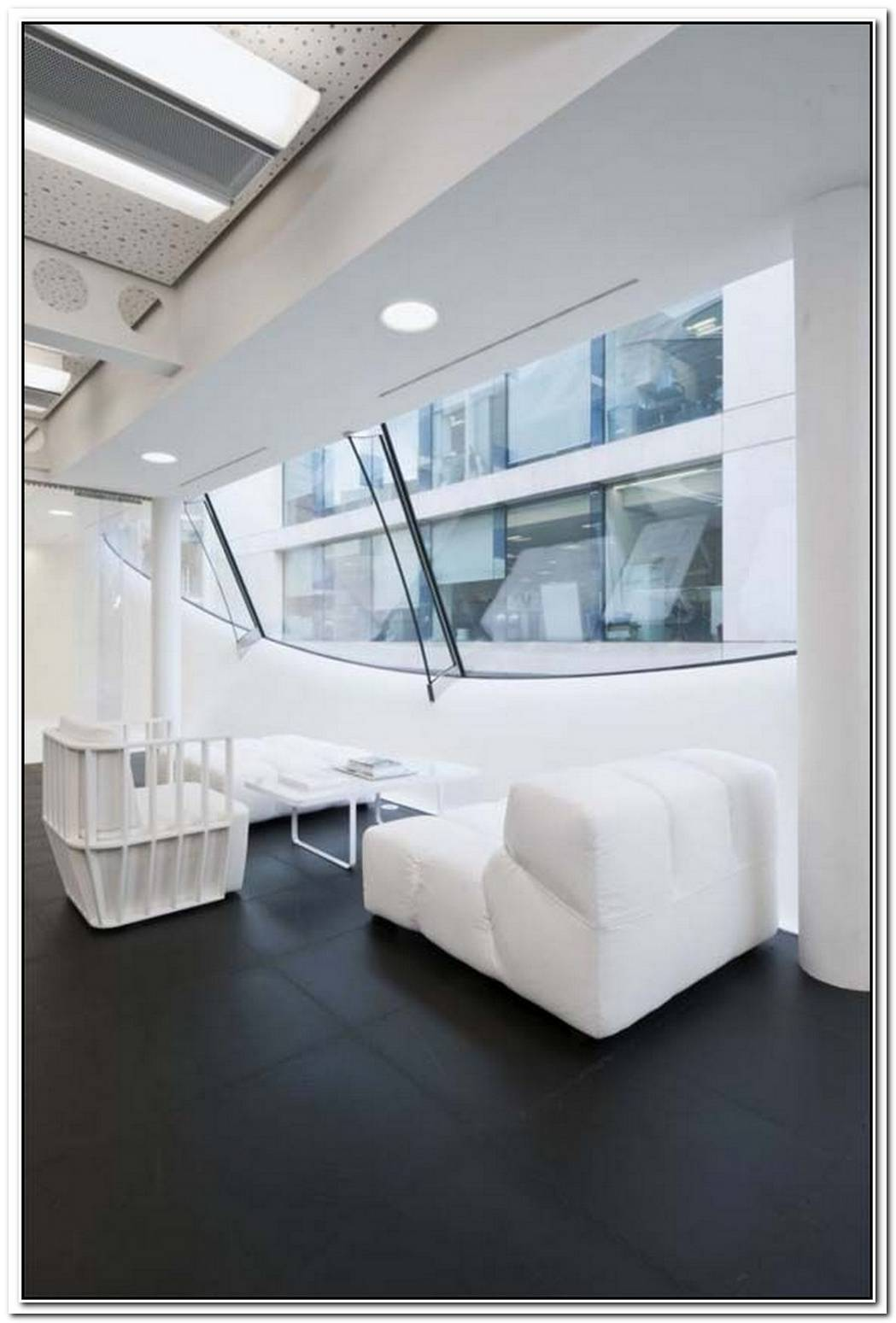 Dentsu LondonOffice Decoration By Essentia Designs