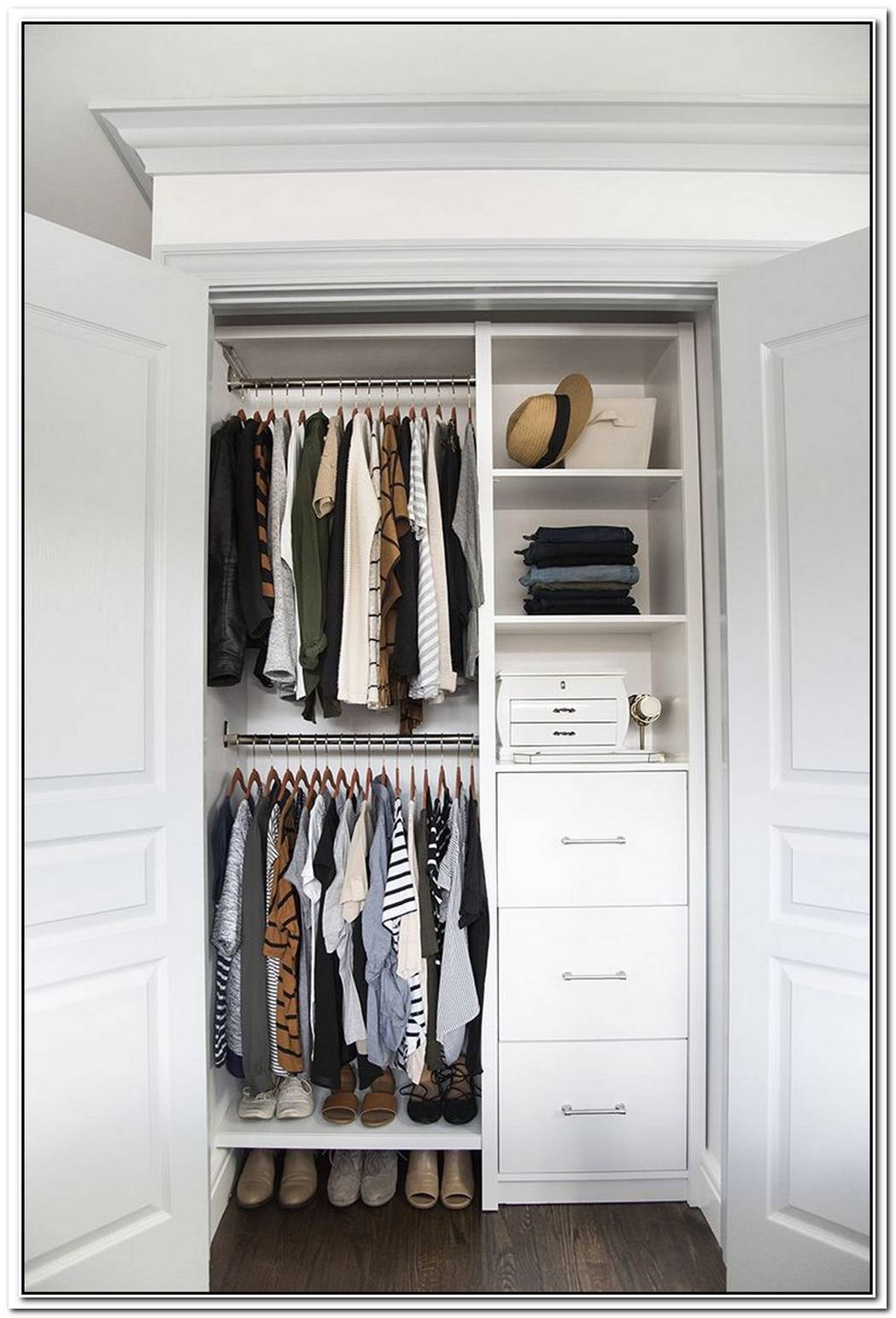 Designer Kate Rumson Knows Exactly What You Need For An Organized Closet