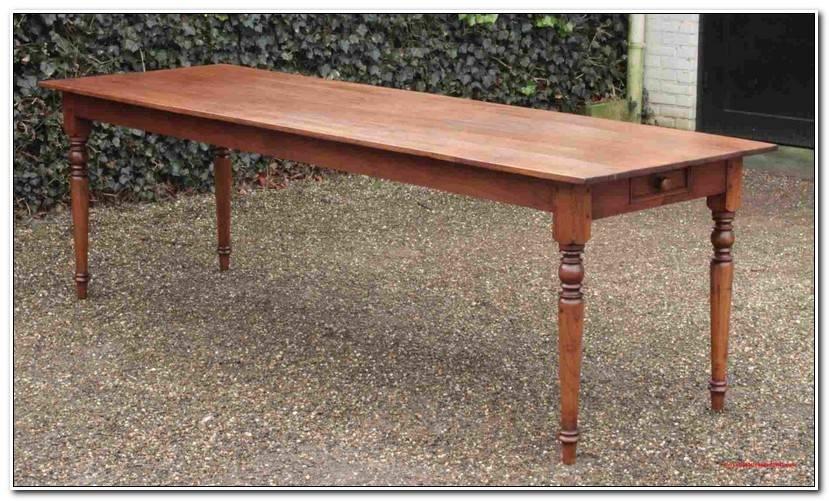 Elegant Alter Holztisch