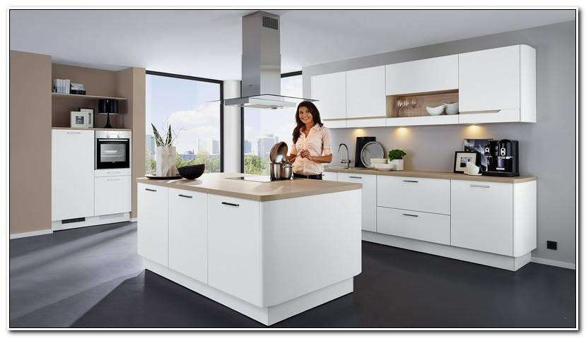 Elegant Kleine Küche Mit Kochinsel