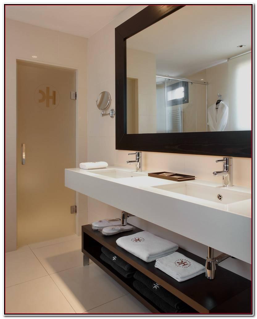 Elegante Carrito Baño Imagen De Baños Decoración