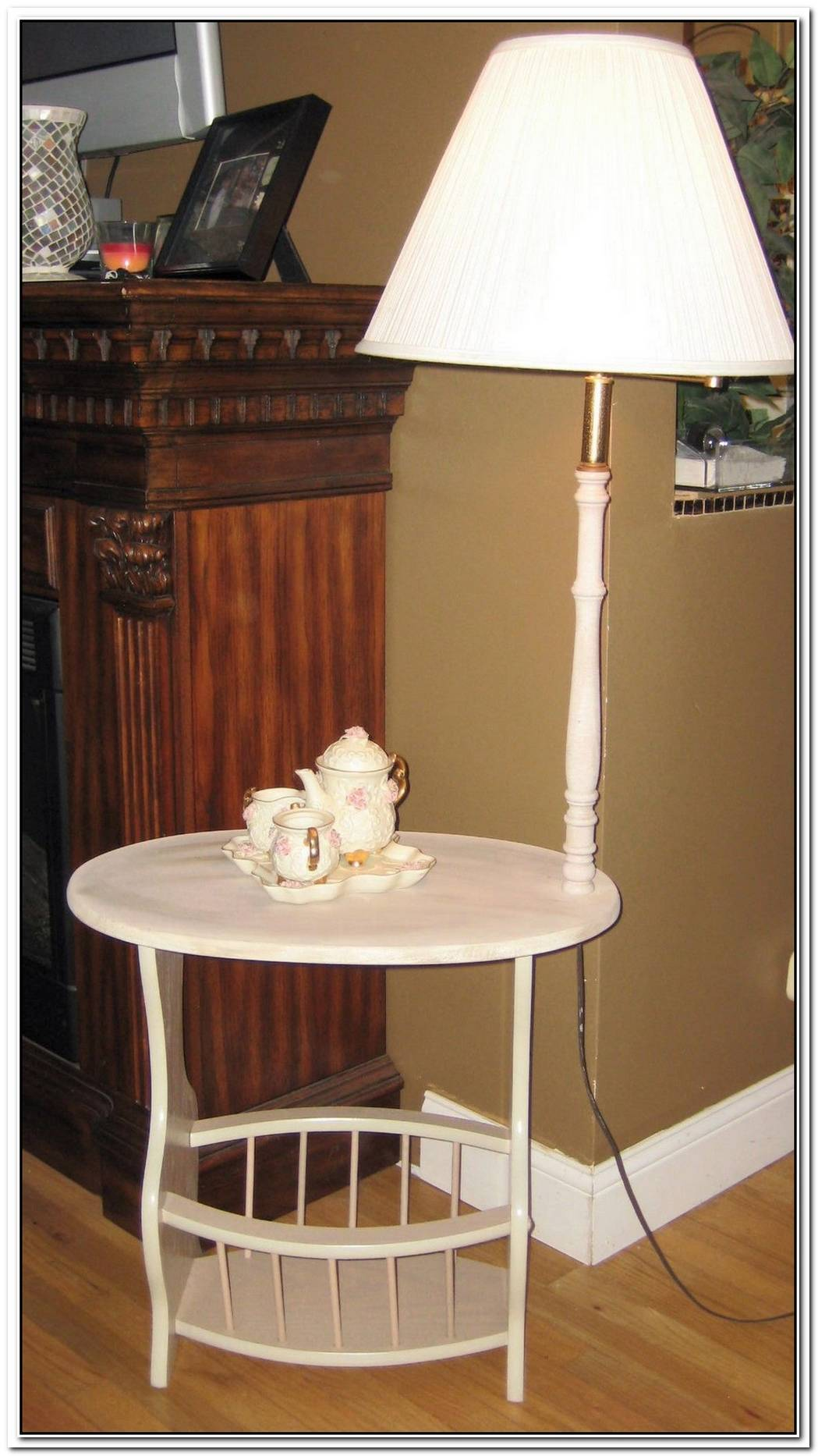 Funny Clutch Oak Floor Lamp