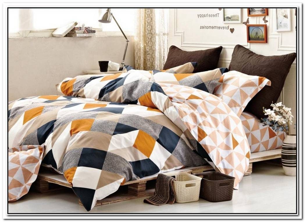 Geometrical Shapes On Bedding