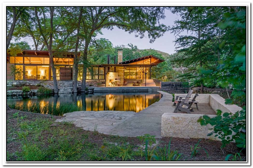 Gorgeous House With Sustainable Design And A Beautiful Natural Pond