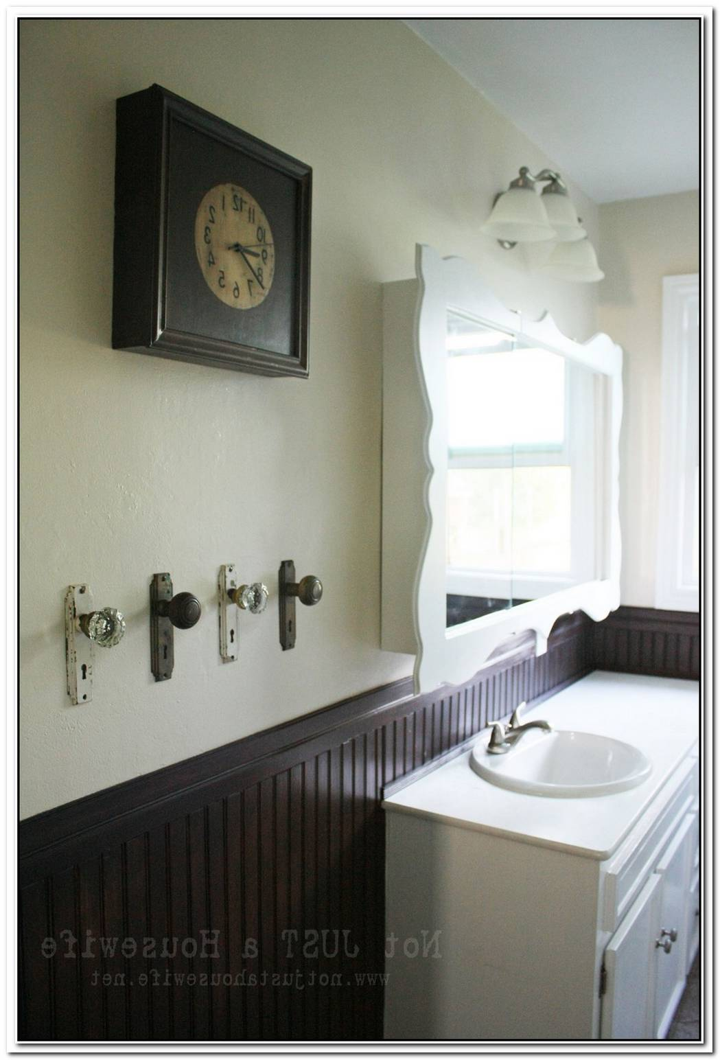 Hallway Vintage Bathroom Wainscoting