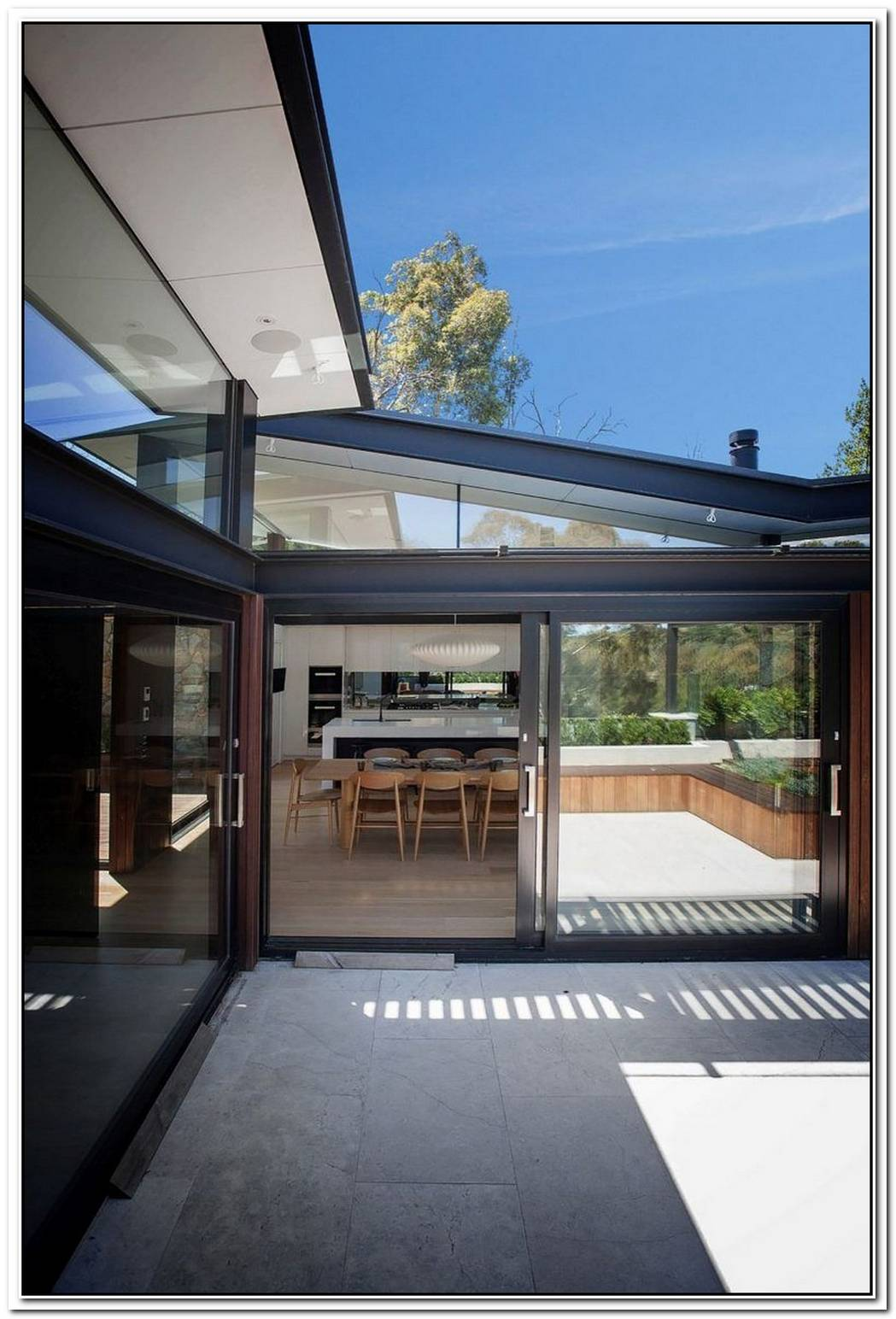 House In StoneGlass And Steel Overlooking The Yarra River