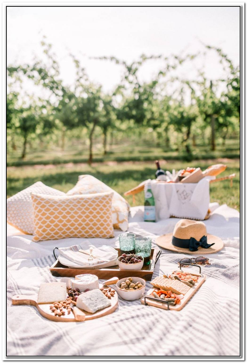 How To Create A Picture Perfect Picnic For Spring
