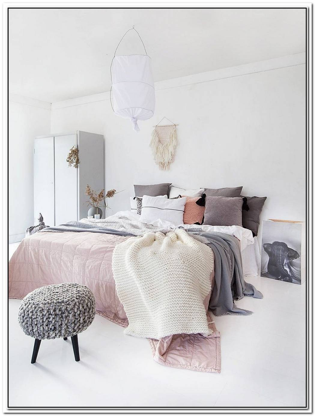 How To Use Textural Details To Elevate A Dreamy, Minimal Bedroom