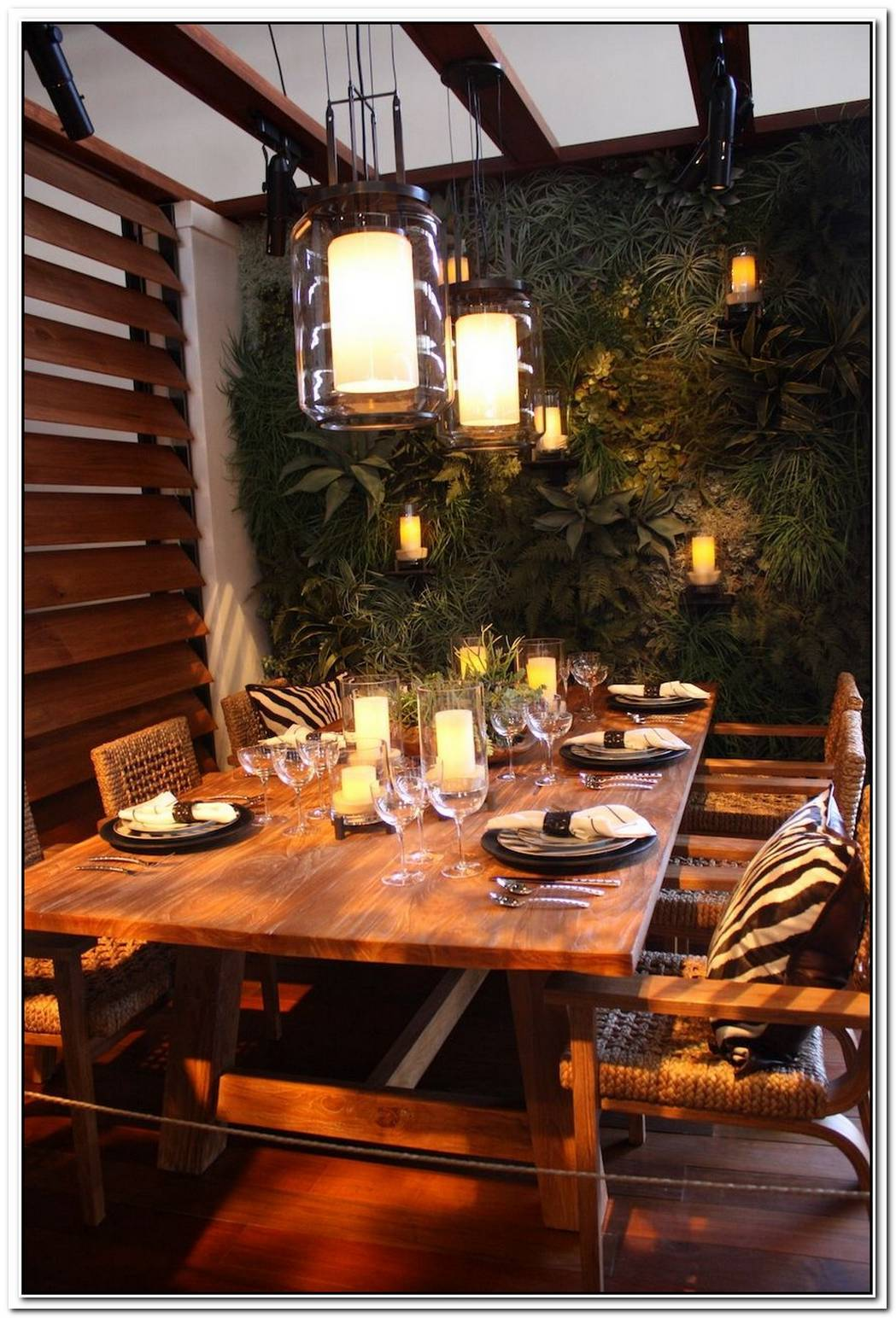 Il Capo Dramatic Dining Table By Creazioni