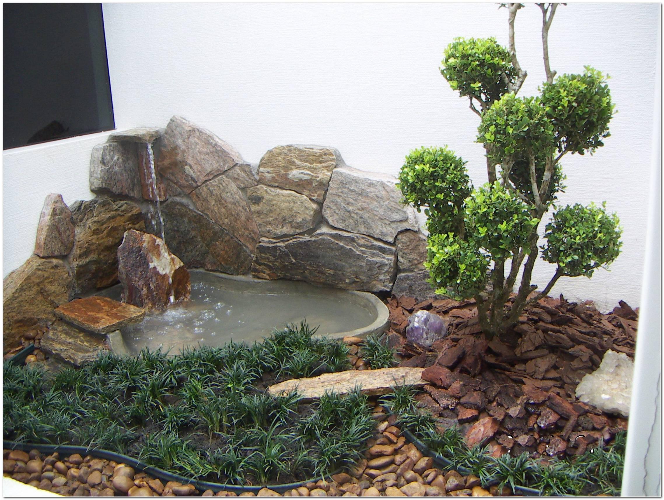 Jardins Pequenos Com Fontes