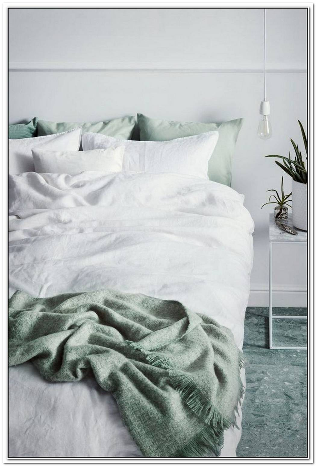Linen Bedding Is Having A Moment