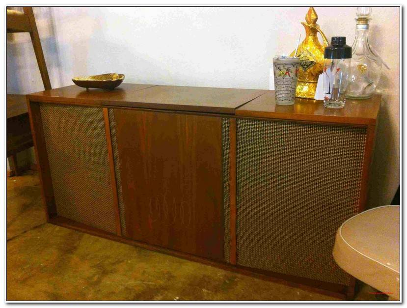 Lovely Hifi Sideboard