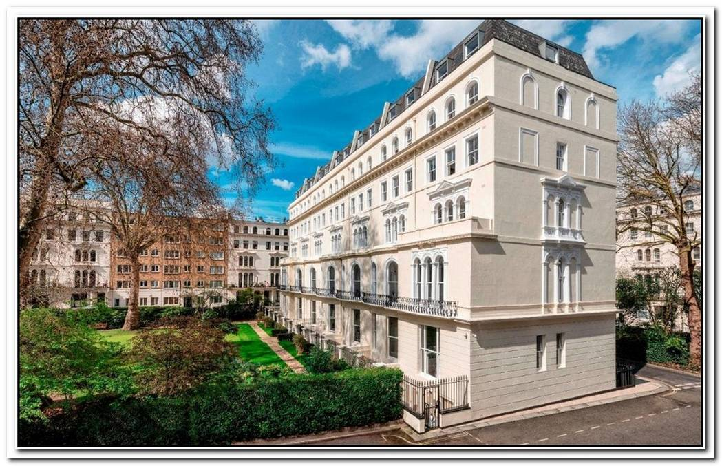 Luxurious Property In Kensington Gardens Square