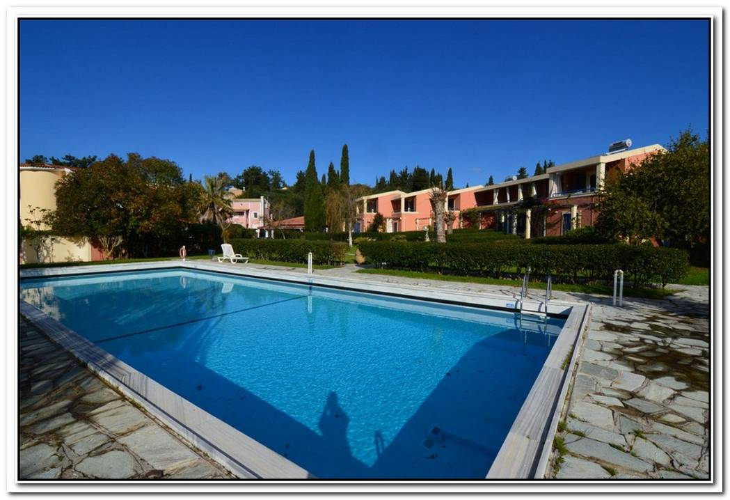 Luxury Pool Property In Corfu