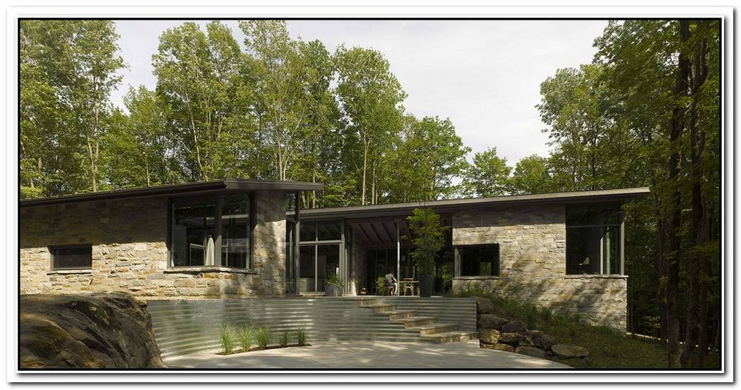 Modern Bromont House By Paul Bernier Architect