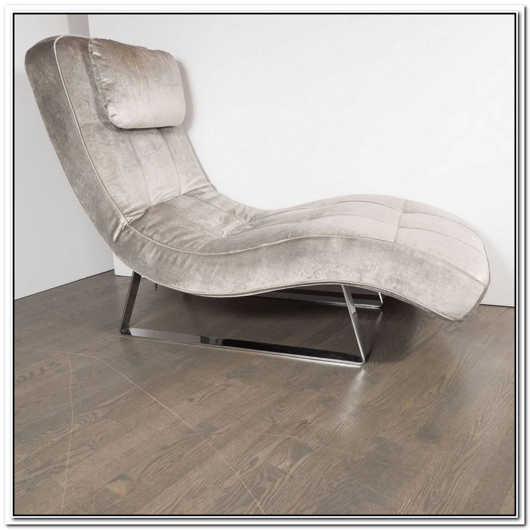 Modern Chaise With Base In Chromed Aluminum And Walnut