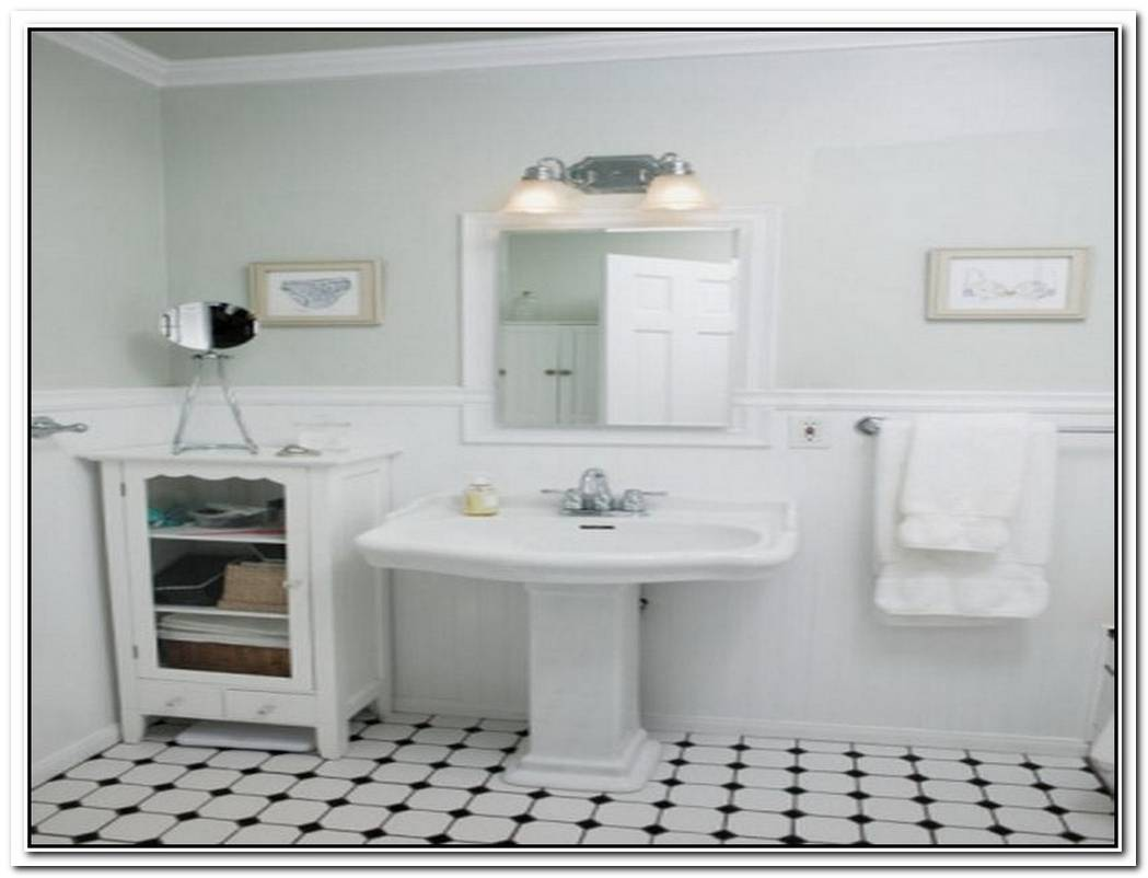 Old Timey Small Vintage Bathroom