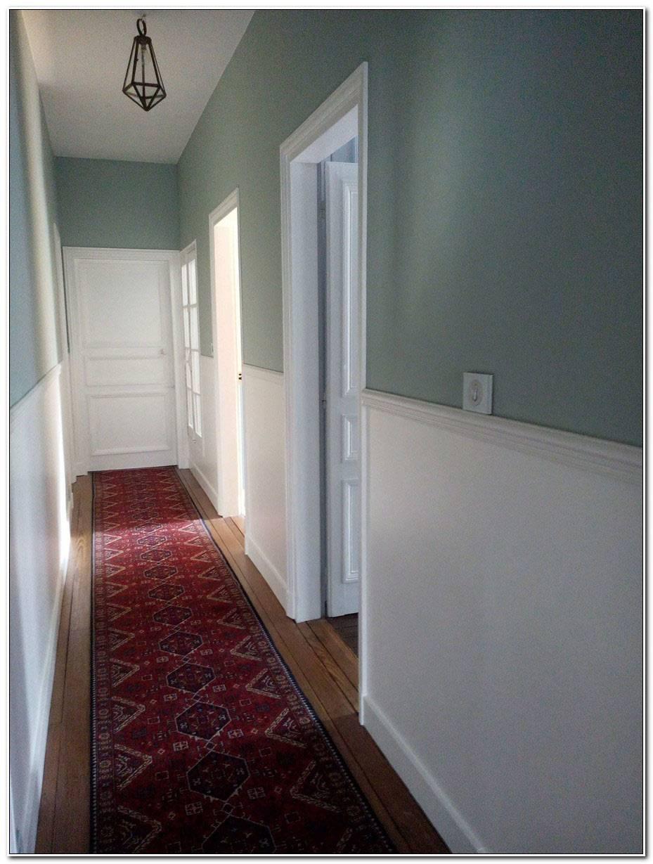 Peindre Un Couloir Avec Beaucoup De Portes