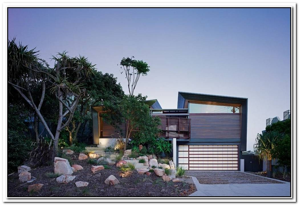 Peregian Beach House With Ocean Views By Sparks Architects