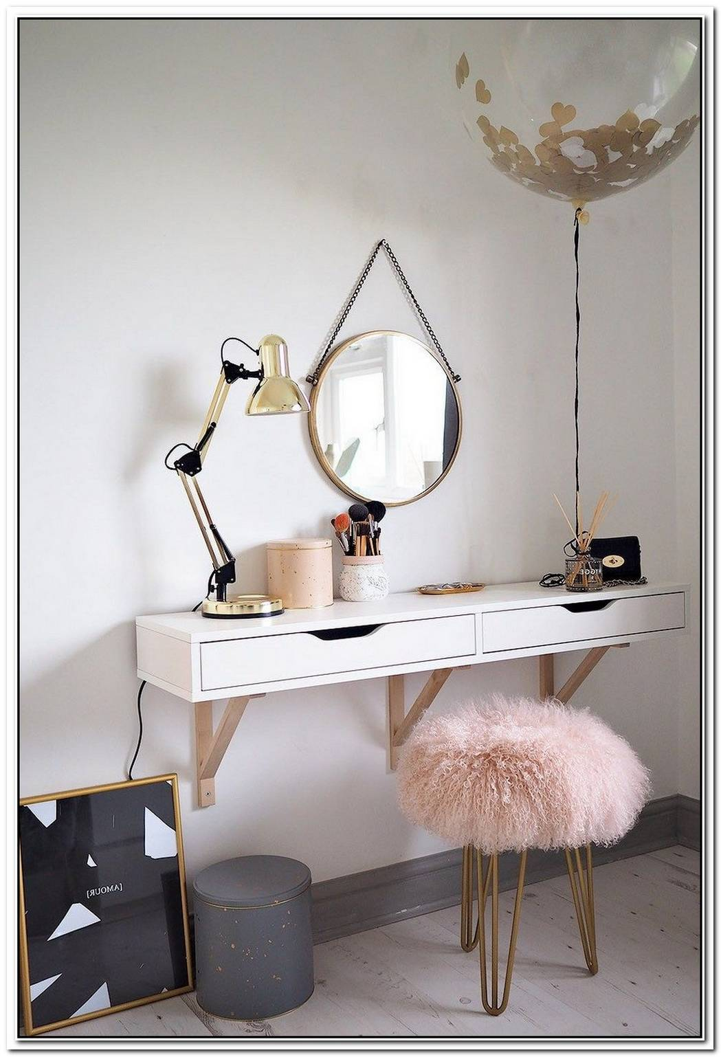 Playing Dress Up Would Be More Fun With One Of These Vanities