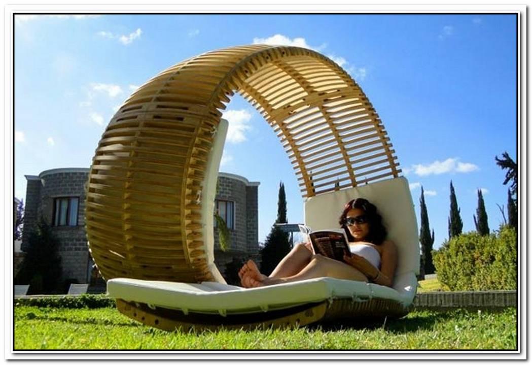 Relaxing Loopita Bonita Chaise Longue Looks Like A Fancy RollerCoaster
