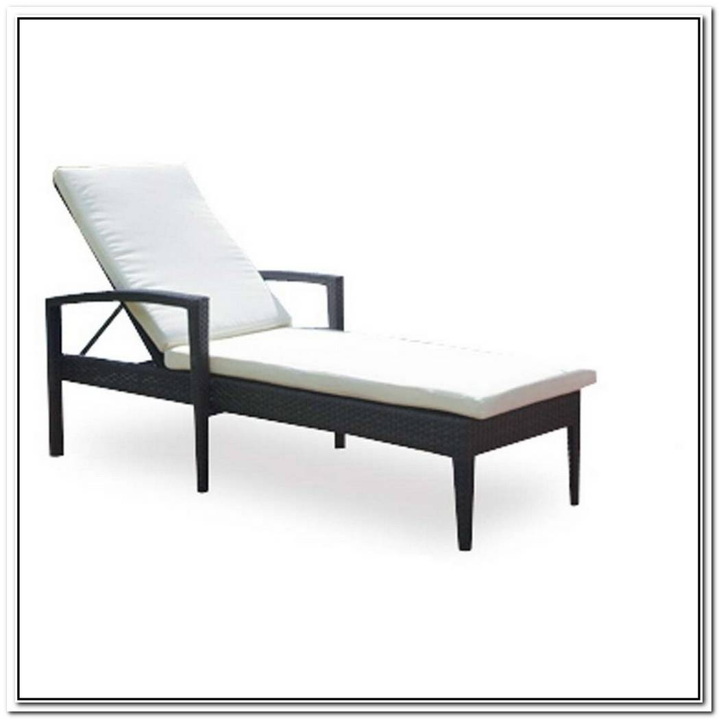 Relaxing Zen Chaise Lounge