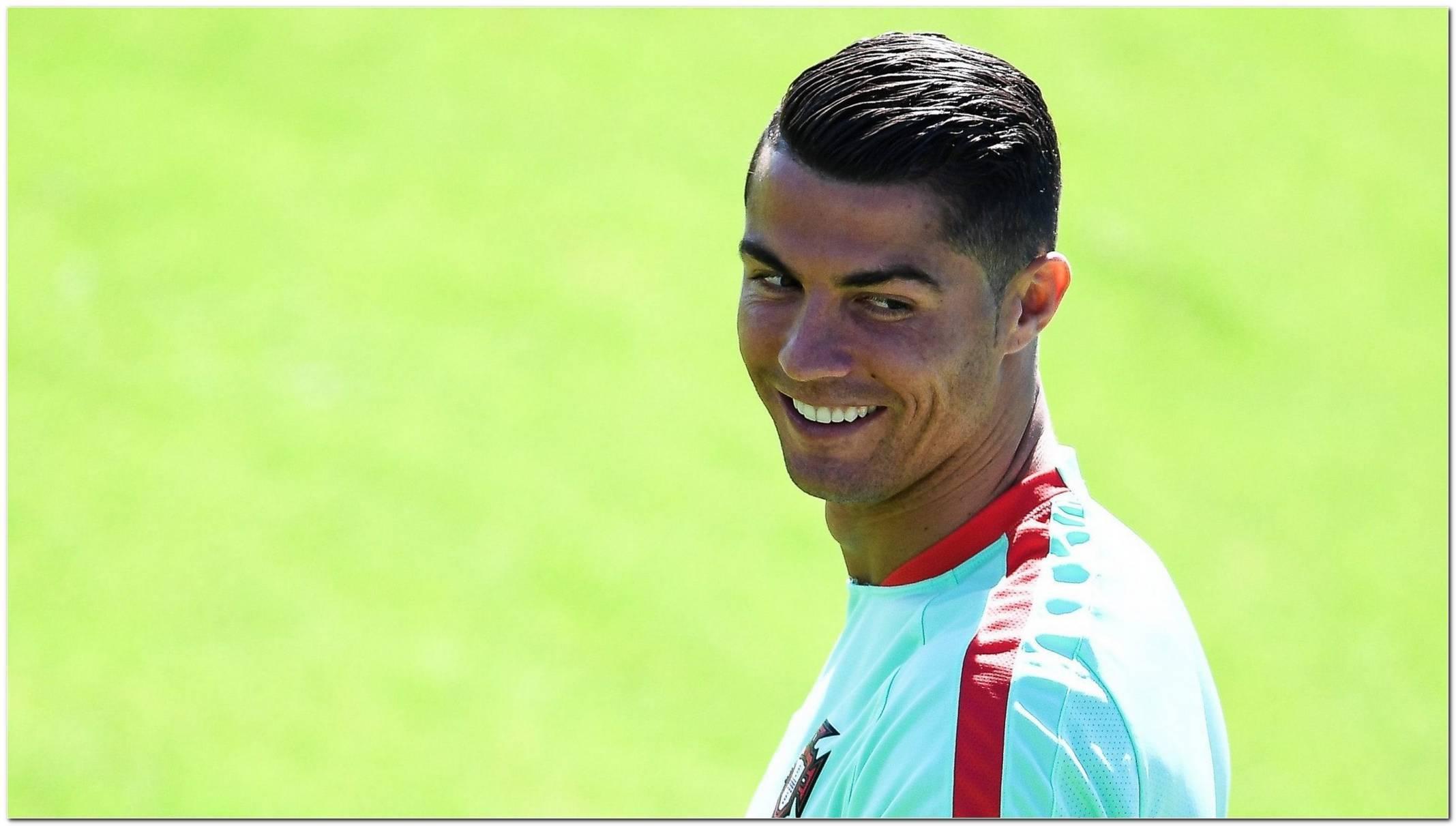 Ronaldo Frisur 2017 Mit Strich