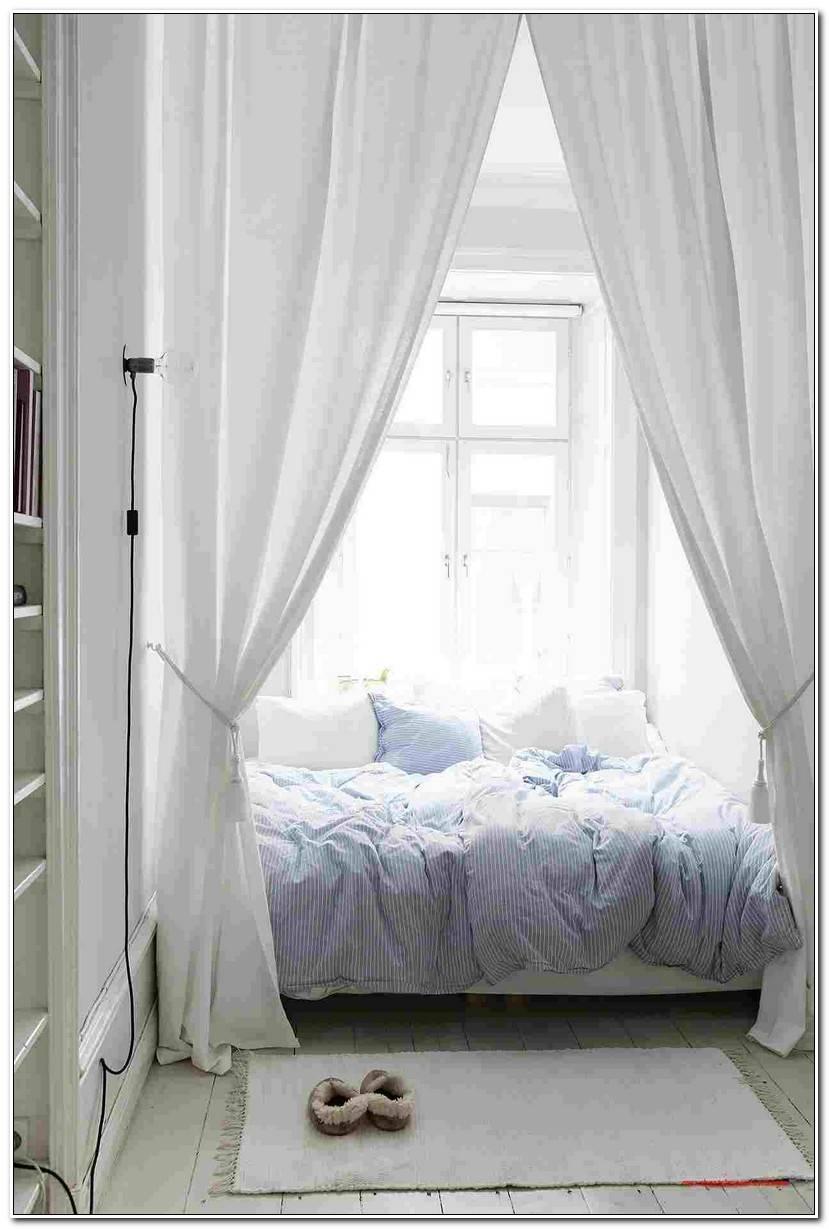 Room Himmelbett Vorhang