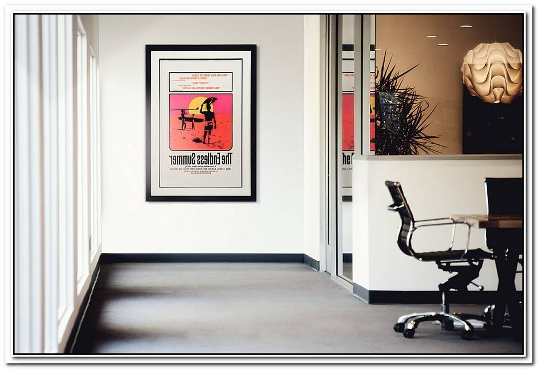 SPACESVintage Posters And Iconic Artwork To Enliven Modern Interiors