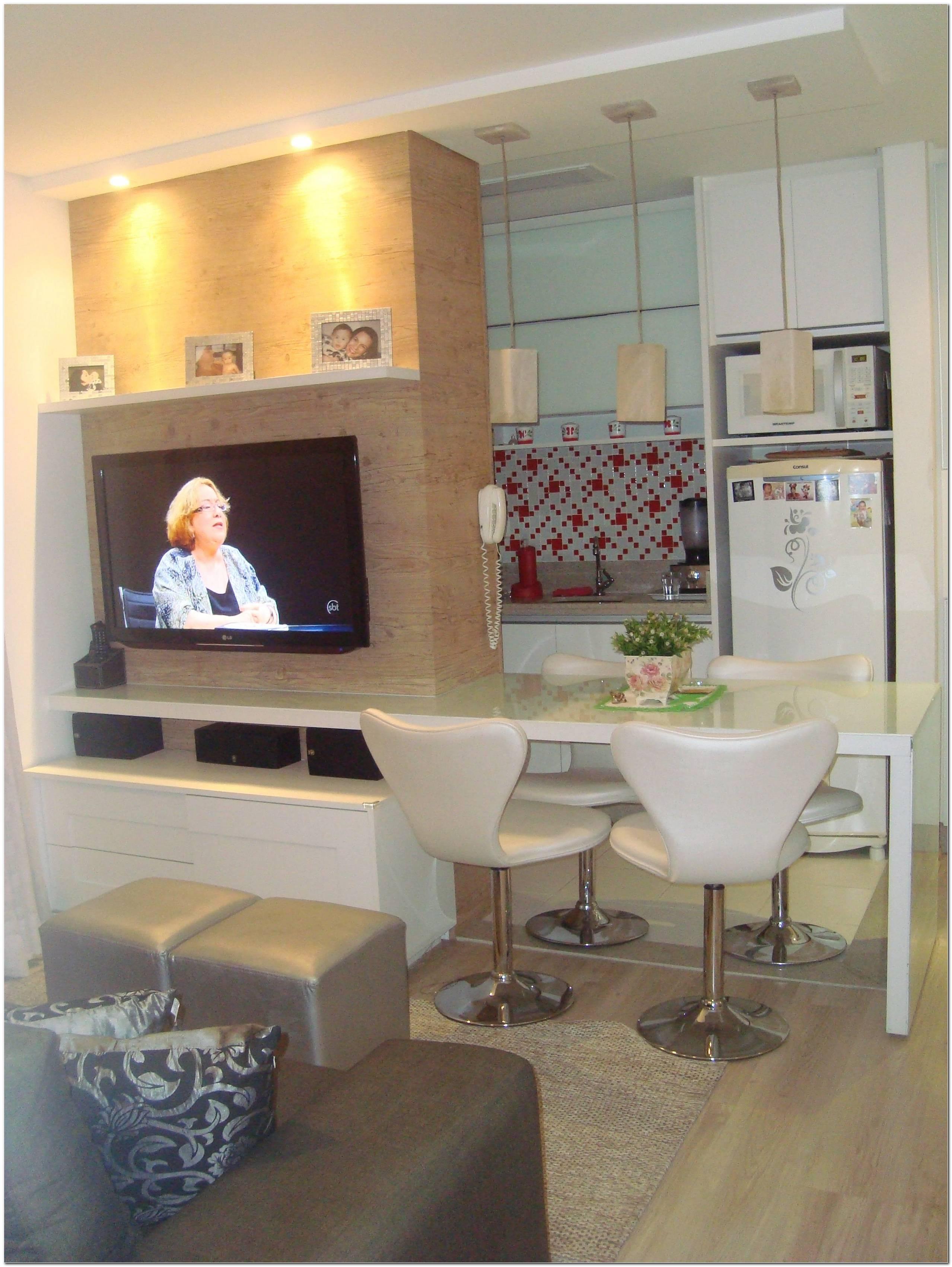Sala Com Tv E Mesa De Jantar