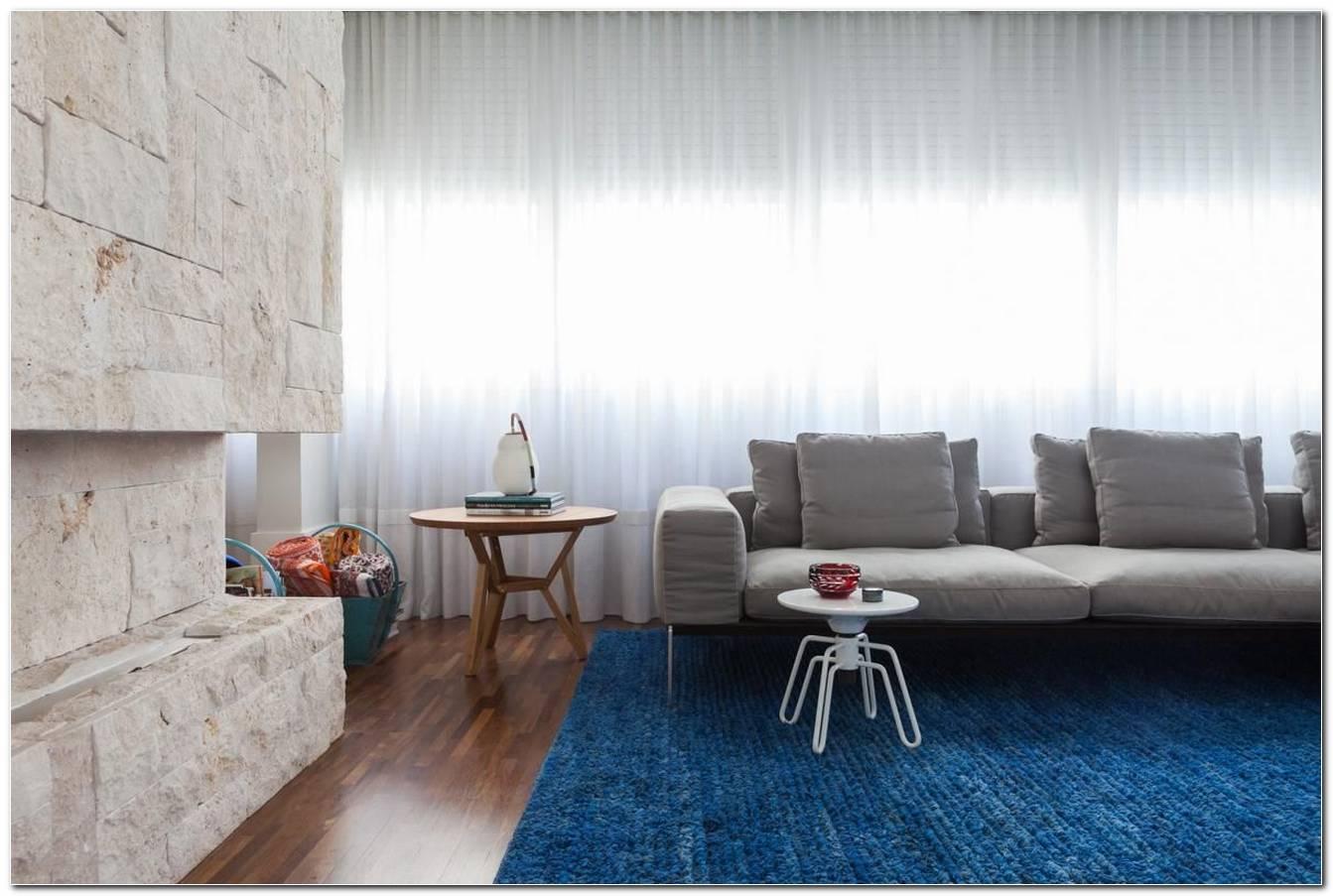 Sala De Estar Com Tapete Azul
