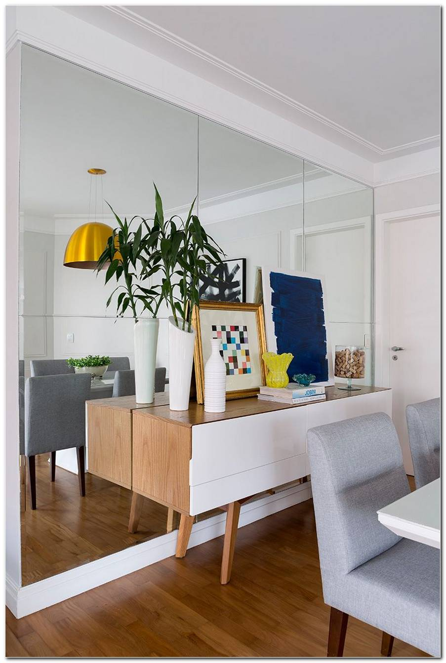 Sala De Jantar Apartamento Com Espelho