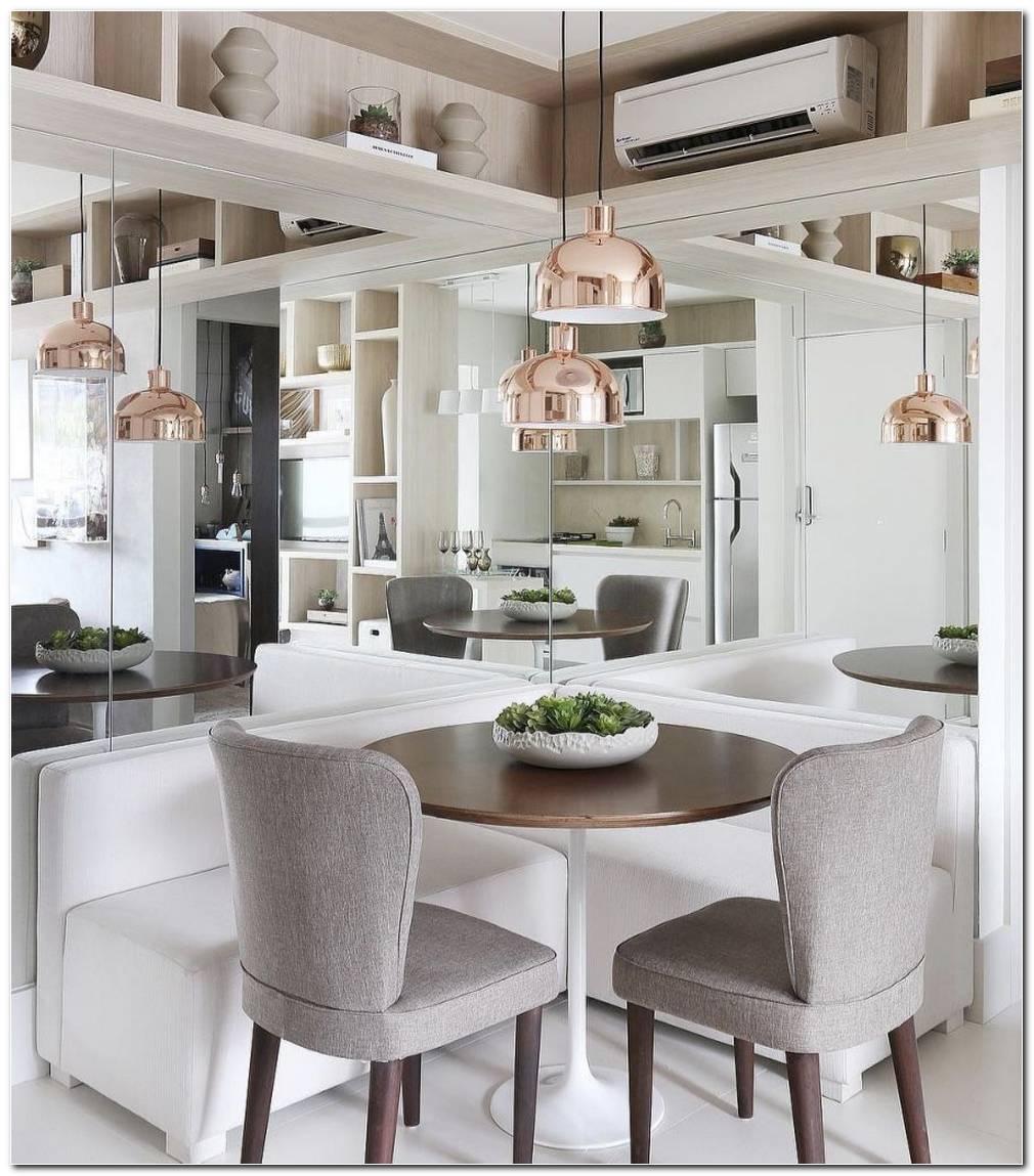 Sala De Jantar Pequena Com Espelho E Aparador