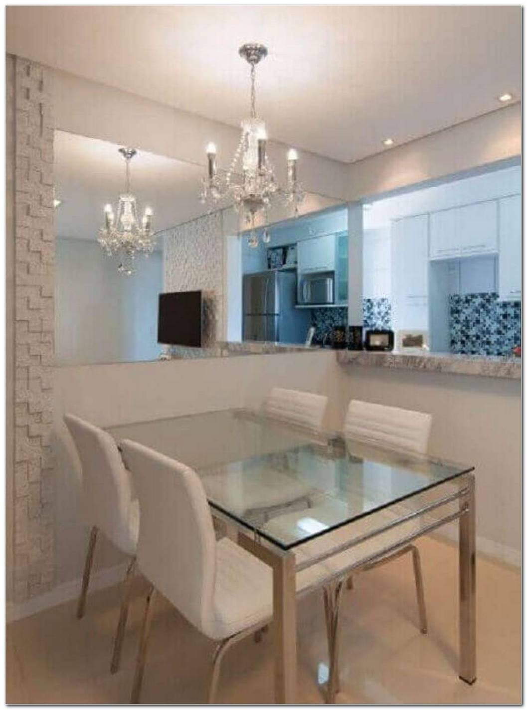 Sala De Jantar Pequena Com Espelho Simples