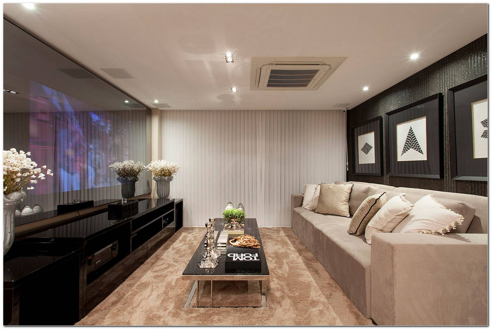 Sala De Tv Moderna Pequena