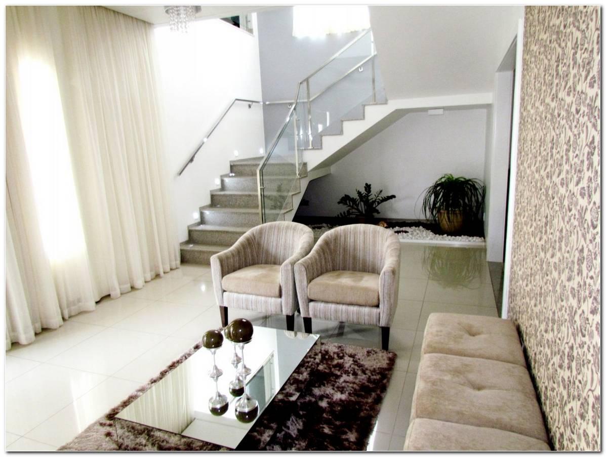 Sala Pequena Com Escada Em U