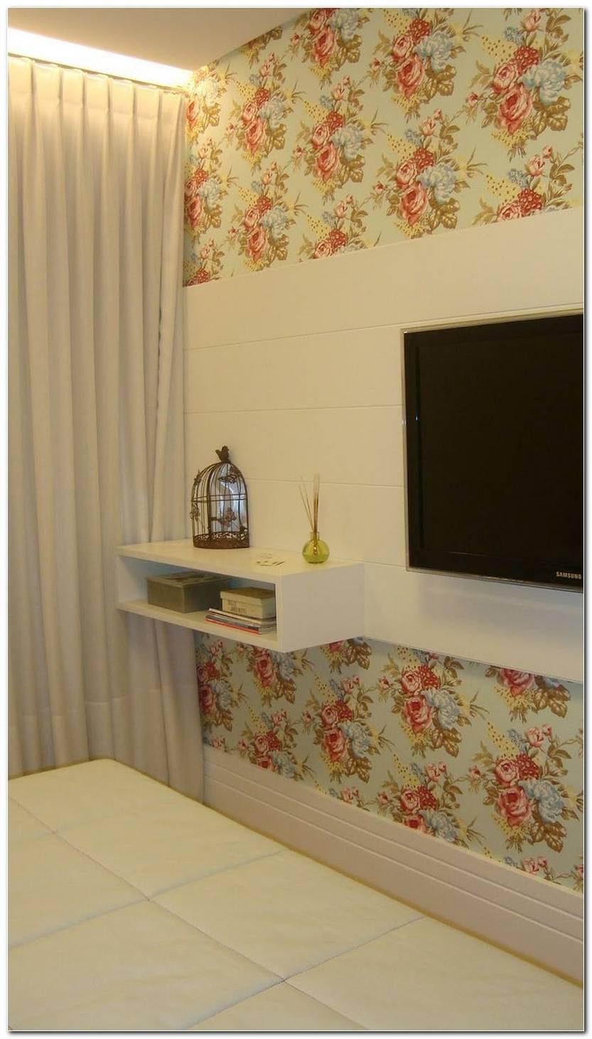 Sala Pequena Com Tecido Na Parede