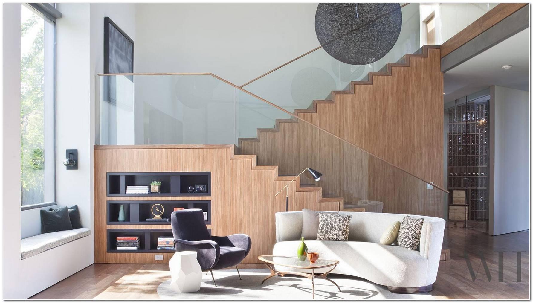Sala Pequena Decorada Com Escada