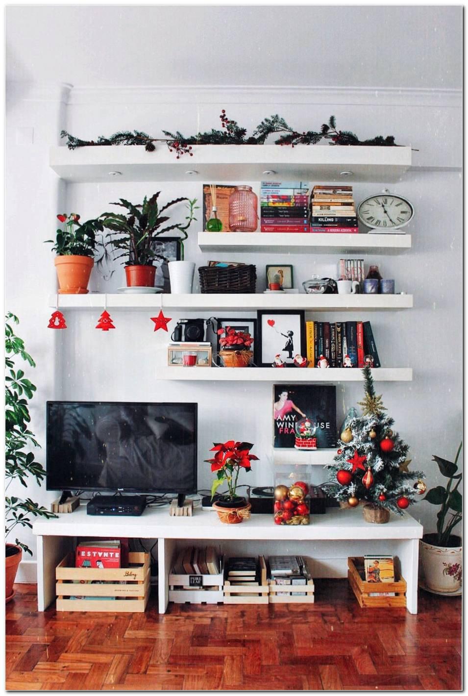 Sala Pequena Decorada De Natal