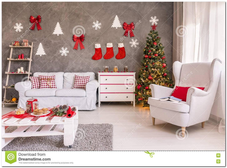 Sala Pequena Decorada Para O Natal