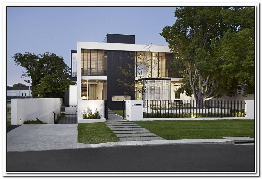 Seamless Fusion Of Open SpacesContemporary And Minimal Gallery House
