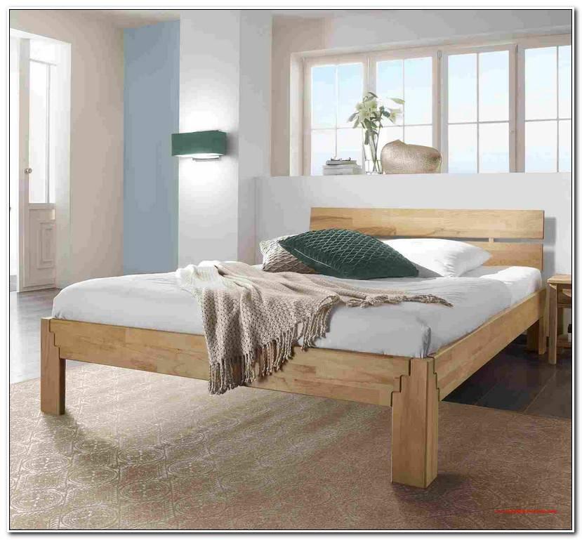 Simple Bett Im Wohnzimmer