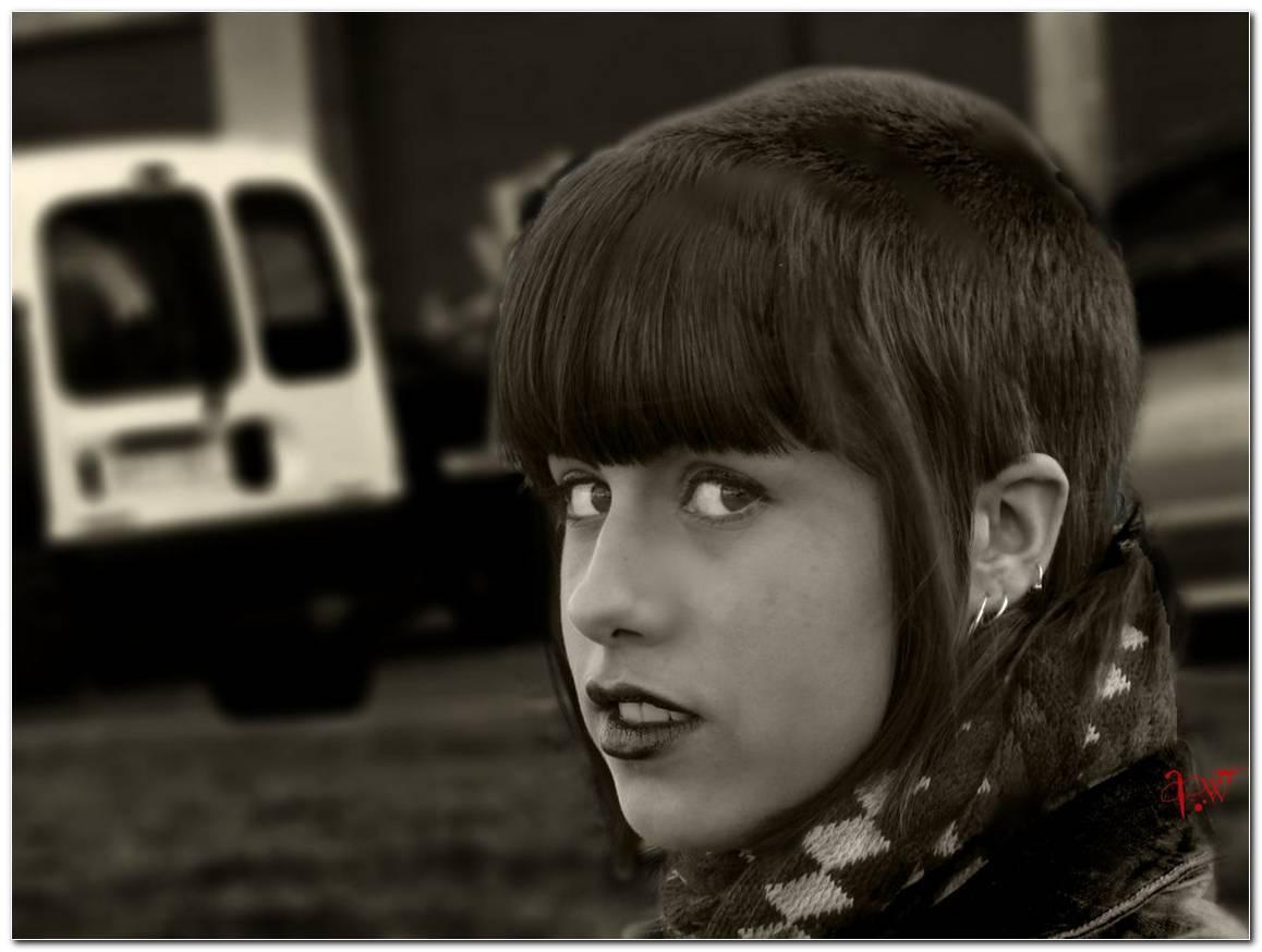 Skinhead Girl Frisur