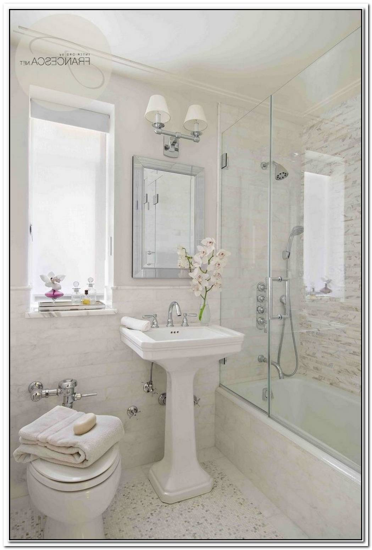 Small Neutral Bathroom