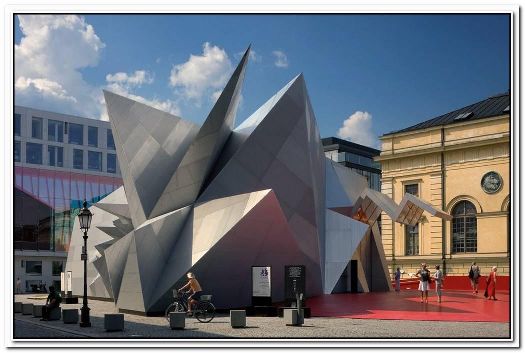 Spatial Bavarian State Opera By Coop Himmelblau