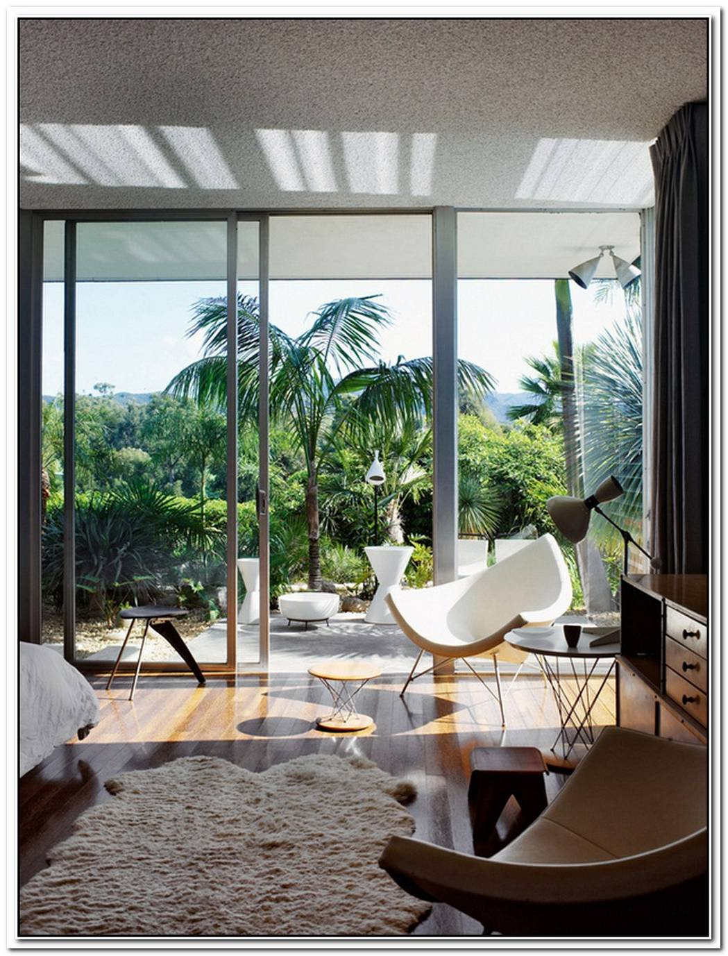 Strick House By Legendary Brazilian Modernist Oscar Niemeyer