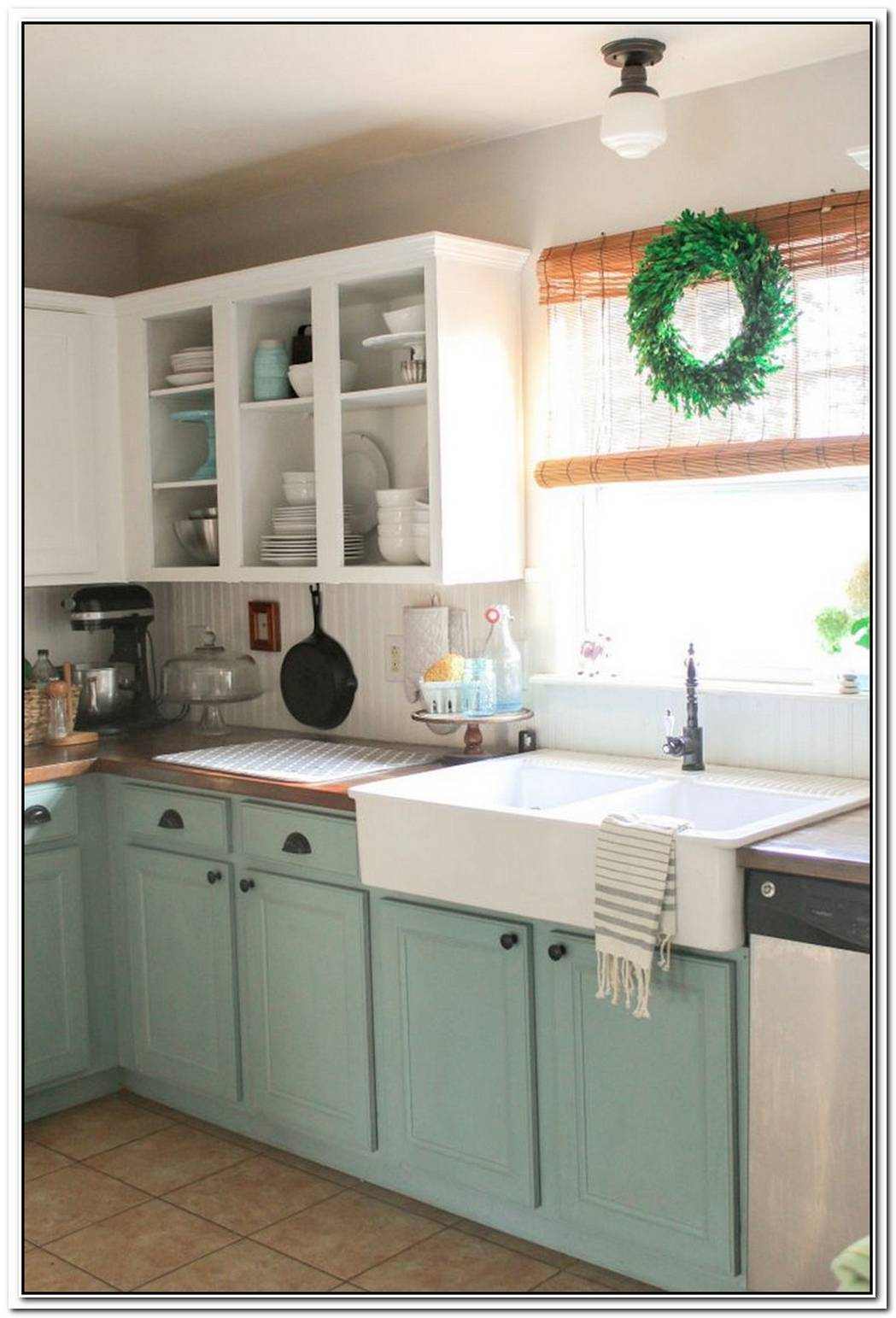 Stylish Combo Ideas For Two Tone Kitchen Cabinets