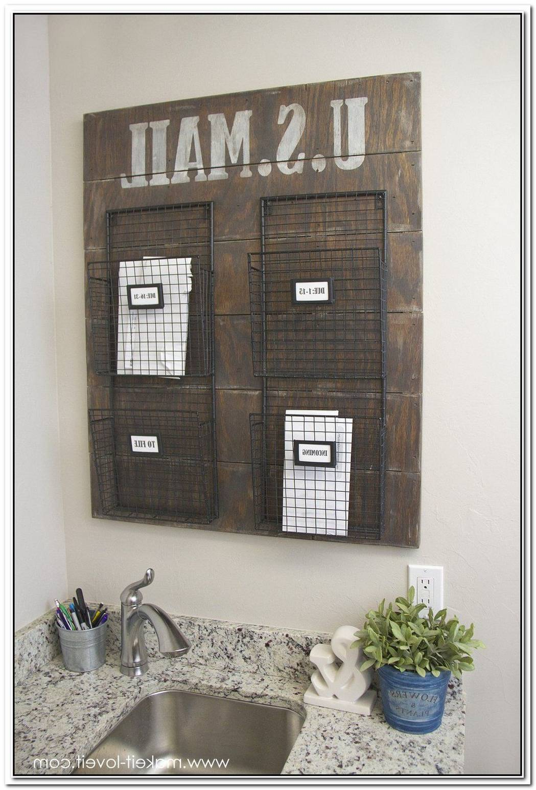 Stylish Mail Baskets And Organizers For Welcoming Homes