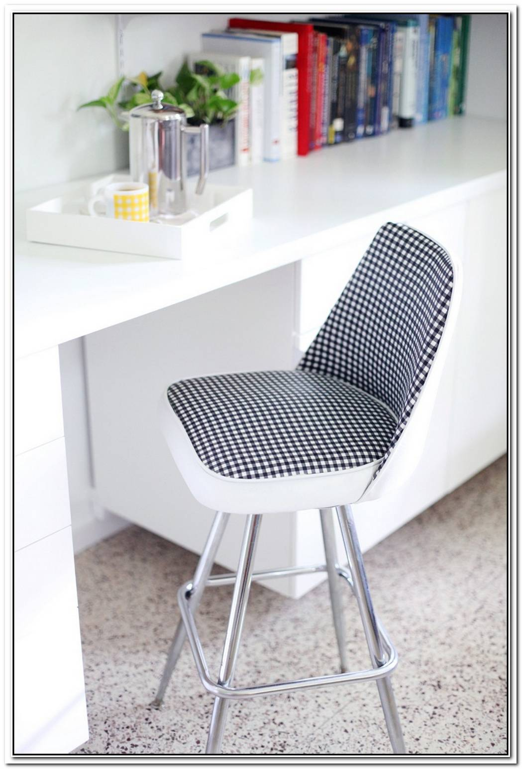 Stylish Ways To Revive An Old Stool Using A Small Budget